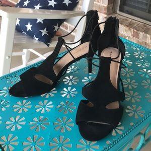 Sz 10 Tahari Dara Black Suede Peep Toe Heels